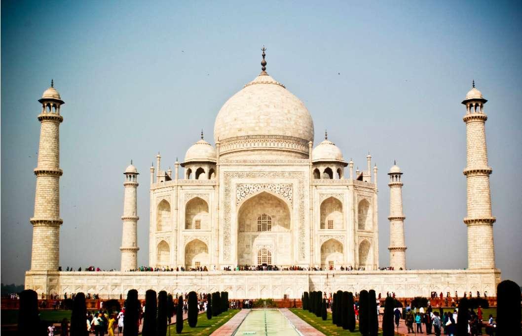 Visiting Taj Mahal