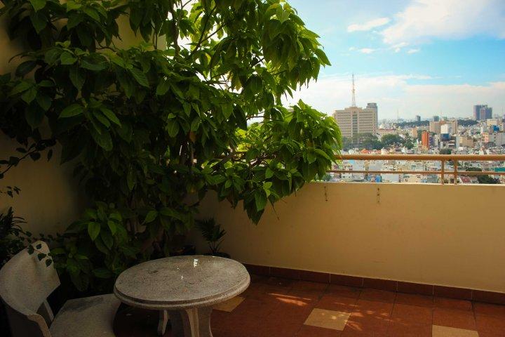 balcony apartment hcmc